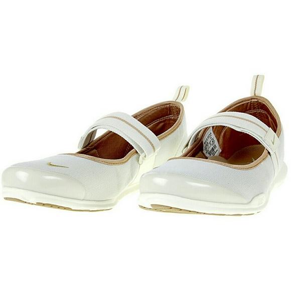 pretty nice ba900 4d771 Nike Women Free Maryjane SI Sneaker Sz 7. M 5b29d30103087c8cc8615d00